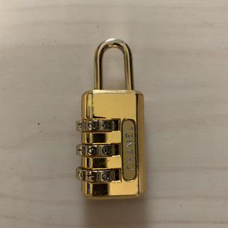 CHANEL - シャネルのパドロック