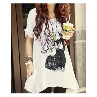 新品★白プリント柄★AラインTシャツ(Tシャツ(半袖/袖なし))