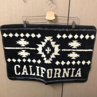 カリフォルニア バスマット モノトーン 白黒 黒白 西海岸 アメリカ アメリカン