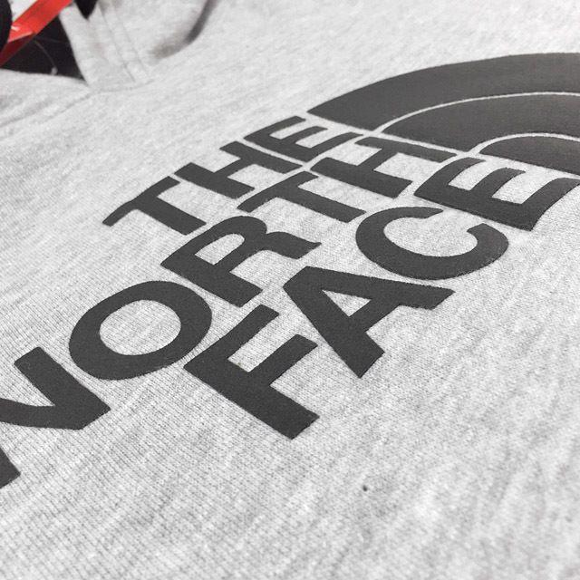 THE NORTH FACE(ザノースフェイス)のノースフェイス ハーフドームロゴプルオーバーパーカー(XXL)灰⑦ 181130 メンズのトップス(パーカー)の商品写真