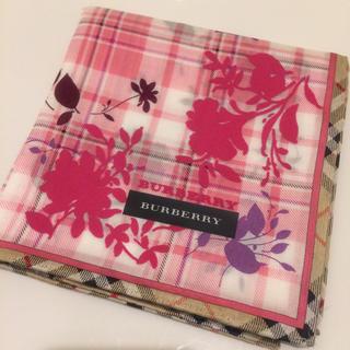 BURBERRY - バーバリー ハンカチ 花