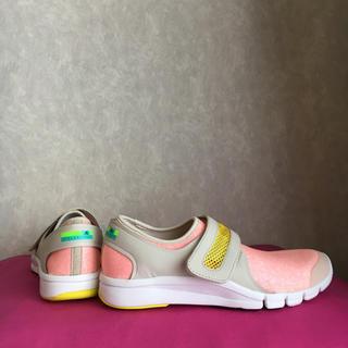 アディダスバイステラマッカートニー(adidas by Stella McCartney)の新品❣️タグ付き❣️ adidas ×STELLA  トレーニングシューズ(スニーカー)