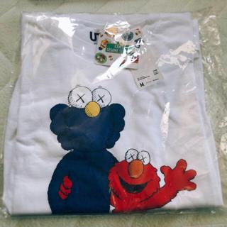 UNIQLO - KAWS.SESMEコラボ Tシャツ