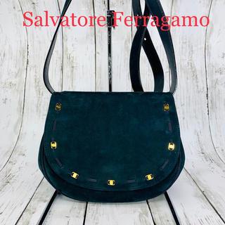 サルヴァトーレフェラガモ(Salvatore Ferragamo)の極美品 Salvatore Ferragamo ヴァラ ショルダーバッグ (ショルダーバッグ)