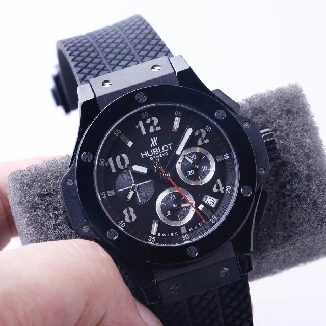 sale retailer 283d3 a8263 大人気 HUBLOT-定番人気 自動巻き腕時計 | フリマアプリ ラクマ