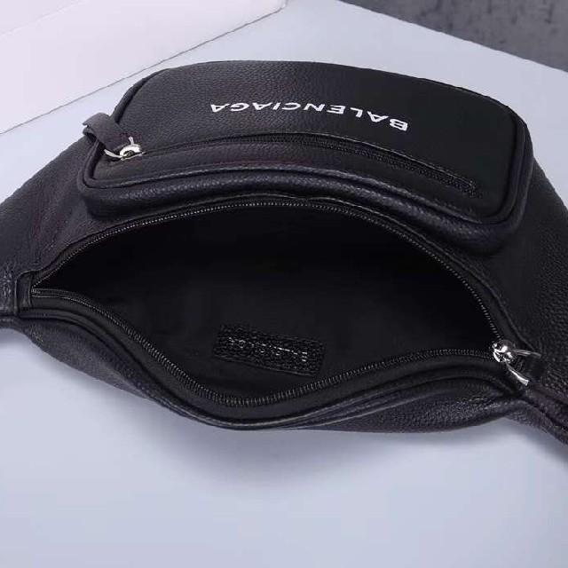 BALENCIAGA BAG(バレンシアガバッグ)のBALENCIAGA エブリデイ ベルトパックブラック  メンズのバッグ(バッグパック/リュック)の商品写真