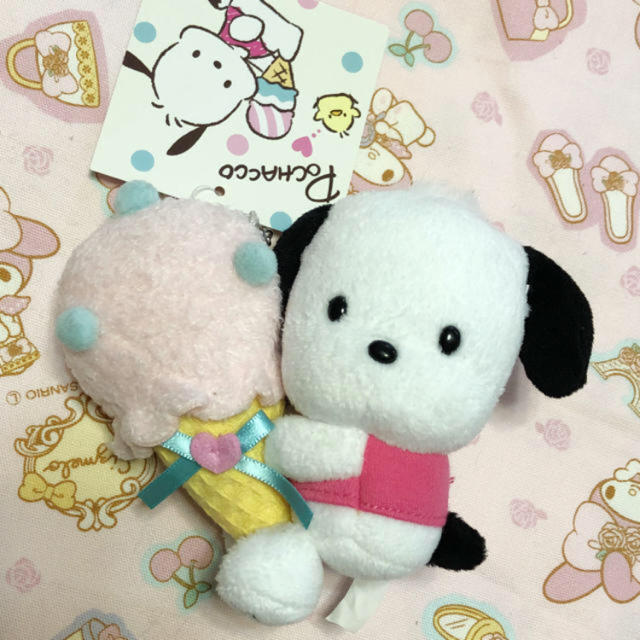サンリオ(サンリオ)のポチャッコ♡マスコットキーホルダー♡アイス♡新品タグ付き エンタメ/ホビーのおもちゃ/ぬいぐるみ(キャラクターグッズ)の商品写真