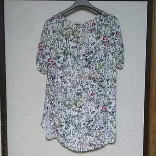 エイチアンドエム(H&M)のH&M 花柄ブラウス半袖(シャツ/ブラウス(半袖/袖なし))