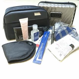 トゥミ(TUMI)のDELTA  TUMI ビジネスアメニティセット新品未使用(旅行用品)