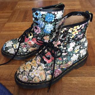 ドクターマーチン(Dr.Martens)のレア 美品✨ 稀少 廃盤! Dr.マーチン 英国製 本革 花柄 ブーツ(ブーツ)