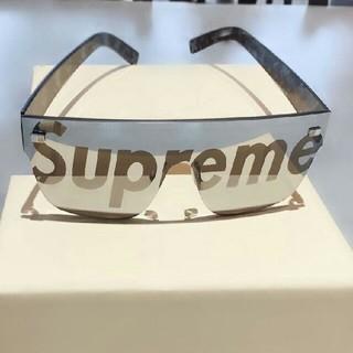 Supreme - 人気のsupremeの新型サングラス