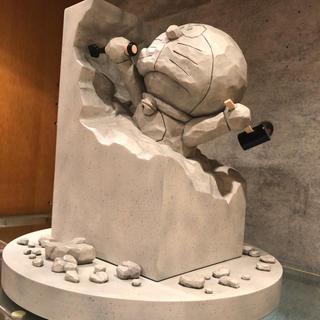 MEDICOM TOY - 村上隆 ドラえもん展 大阪 ドラえもん 彫刻家ドラえもん ...
