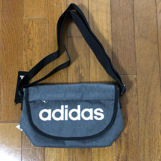 adidas - お買い得  新品未使用のアディダスショルダーバッグ
