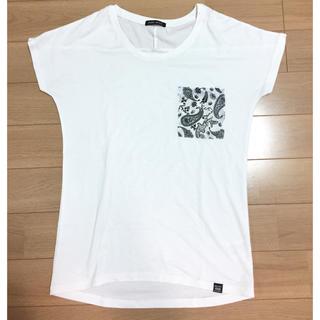新品♪Tシャツ♪ペイズリー柄