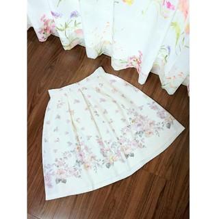 デビュードフィオレ(Debut de Fiore)のデビュードフィオレ 裾フラワー スカート(ひざ丈スカート)