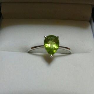 天然石ペリドット❤宝石質1.3カラット❤18号❤人気の雫形❤(リング(指輪))
