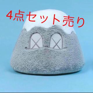 メディコムトイ(MEDICOM TOY)のkaws holiday Japan 限定ぬいぐるみ(ぬいぐるみ)