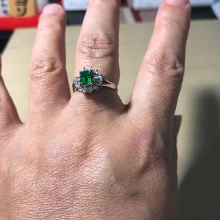 【012】エメラルドグリーンのシルバーリング  13号サイズ(リング(指輪))