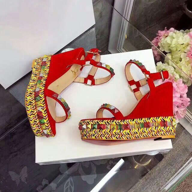 Christian Louboutin(クリスチャンルブタン)のChristian Louboutin>サンダル レディースの靴/シューズ(サンダル)の商品写真