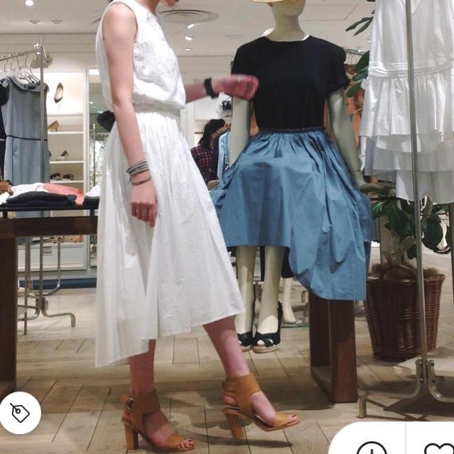 Demi-Luxe BEAMS(デミルクスビームス)のデミルクス ビームス タイプライターギャザースカート フレアスカート スカート レディースのスカート(ひざ丈スカート)の商品写真