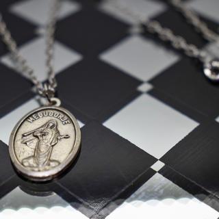 ユニクロ(UNIQLO)のメンズ シルバー ネックレス コイン イタリア製 STUDIOUS HARE 系(ネックレス)