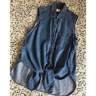 ギャップ(GAP)のGAP  デニム ノースリーブシャツ SALE‼️(シャツ/ブラウス(半袖/袖なし))