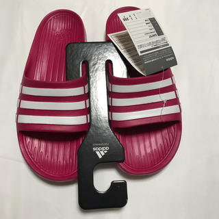 アディダス(adidas)のadidas アディダス サンダル 新品未使用(サンダル)