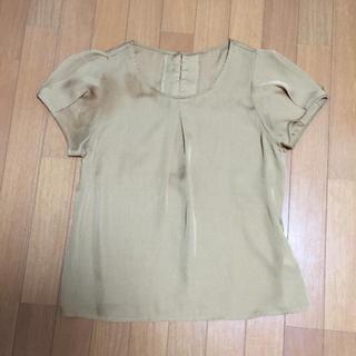 ジーユー(GU)の光沢のある辛子色 パフスリーブ ブラウス(シャツ/ブラウス(半袖/袖なし))