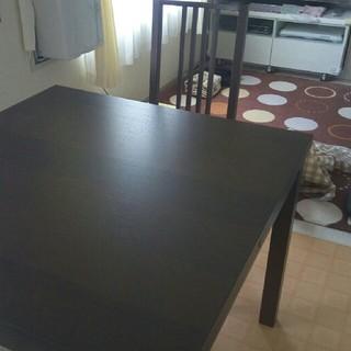 イケア(IKEA)の伸縮式ダイニングテーブルセットイス二脚(ダイニングテーブル)