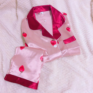 GU風 サテンパジャマ   半袖半ズボン いちご柄 ピンク