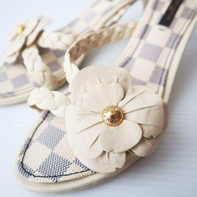 LOUIS VUITTON(ルイヴィトン)のルイヴィトン ダミエ アズール サンダル 36 1/2 23.5cm  レディースの靴/シューズ(サンダル)の商品写真