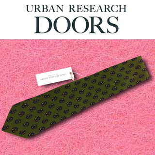 ドアーズ(DOORS / URBAN RESEARCH)の【新品未使用】URBAN RESEARCH DOORS ネクタイ グリーン 花柄(ネクタイ)