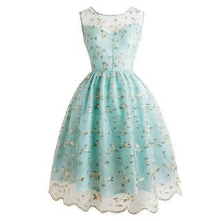 新品大きいサイズ3L15号爽やかなヴィンテージフローラル刺繍ドレスワンピース(ミディアムドレス)