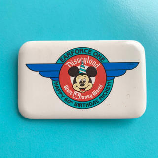 Disney - ディズニーランド ミッキー 60才バースデー 缶バッジ