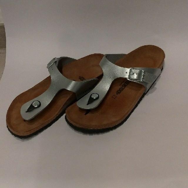 BIRKENSTOCK(ビルケンシュトック)のBIRKENSTOKサンダルGizeh シルバー34ナローriceball様専用 レディースの靴/シューズ(サンダル)の商品写真
