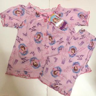 Disney - 84 新品タグ付き ディズニー ちいさなプリンセスソフィア 上下セット パジャマ
