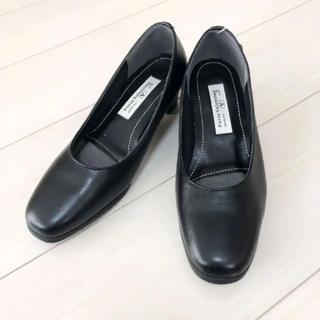 新品!furio valentino 21.5 日本製 ブラック 幅広 パンプス(ハイヒール/パンプス)
