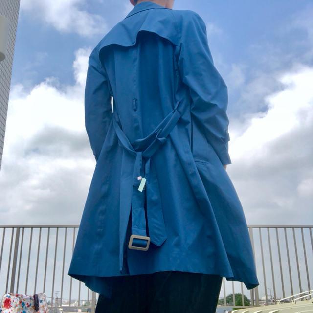 BURBERRY(バーバリー)の♦︎ノーブランド♦︎ トレンチコート  ブルー レディースのジャケット/アウター(ロングコート)の商品写真