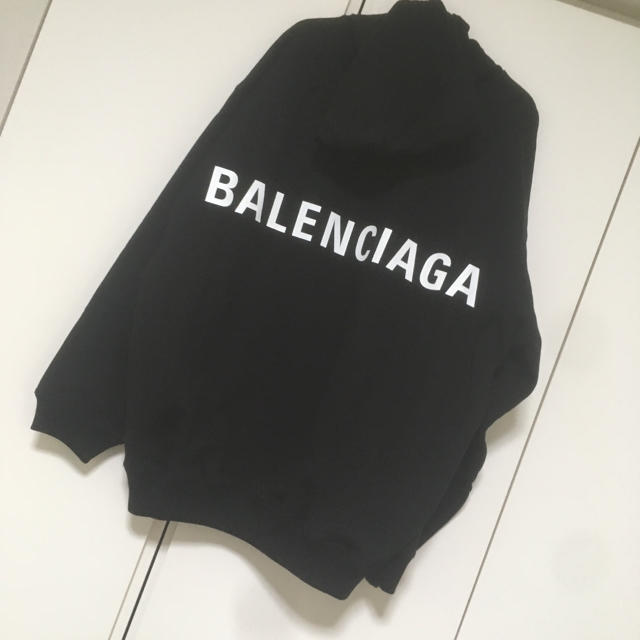 Balenciaga(バレンシアガ)のBALENCIAGA バックプリント パーカー メンズのトップス(パーカー)の商品写真