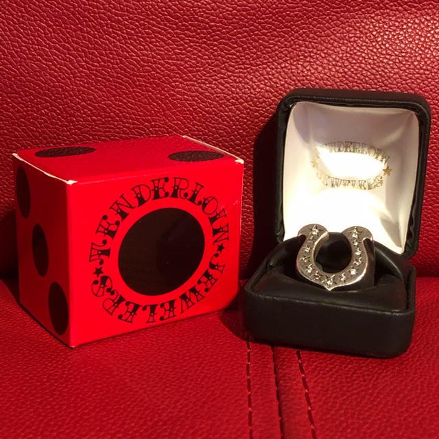 TENDERLOIN(テンダーロイン)のテンダーロイン リング ホースシュー ダイヤ 石入り 付属品完備 メンズのアクセサリー(リング(指輪))の商品写真