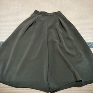 GU - GUガウチョパンツSカーキ色221-270388