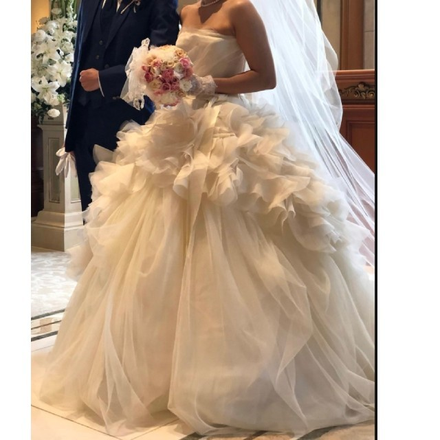 Vera Wang(ヴェラウォン)のverawang hayley US4 銀座店限定モデル レディースのフォーマル/ドレス(ウェディングドレス)の商品写真