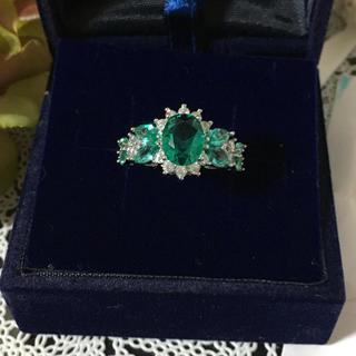 ブルーグリーンとジルコニアの華やかなリング(リング(指輪))
