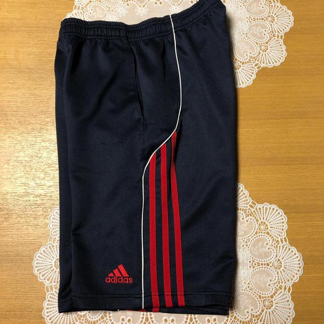 adidas(アディダス)のアディダス・ハーフパンツジャージ・サイズ160 キッズ/ベビー/マタニティのキッズ服 男の子用(90cm~)(パンツ/スパッツ)の商品写真