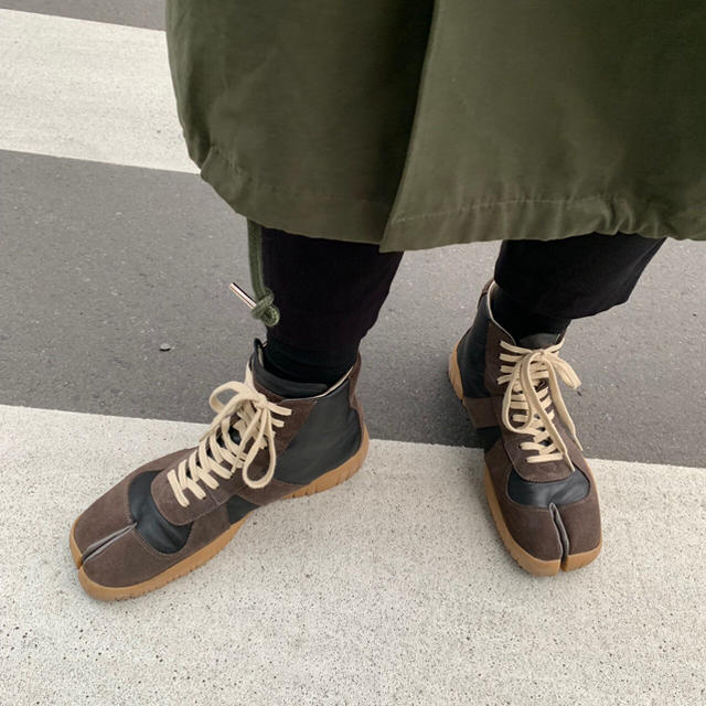 Maison Martin Margiela(マルタンマルジェラ)のMaison Margiela 足袋 ジャーマントレーナー メンズの靴/シューズ(スニーカー)の商品写真