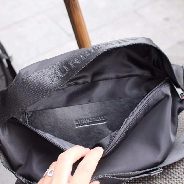 BURBERRY(バーバリー)のBURBERRYバーバリーメンズショルダーバッグ レディースのバッグ(ショルダーバッグ)の商品写真