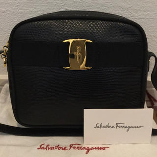 Salvatore Ferragamo - 極美品♡Ferragamoフェラガモ ヴァラ ショルダーバッグ リザードブラック