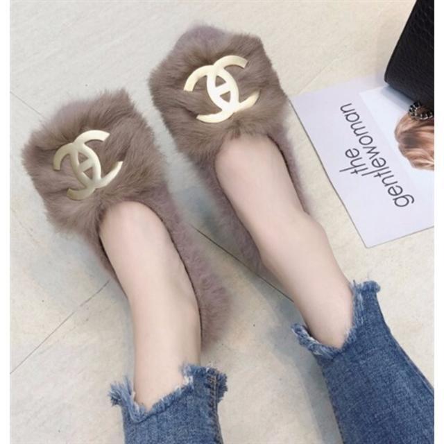 ZARA(ザラ)の秋新作 ロゴファー♡パンプス レディースの靴/シューズ(ハイヒール/パンプス)の商品写真