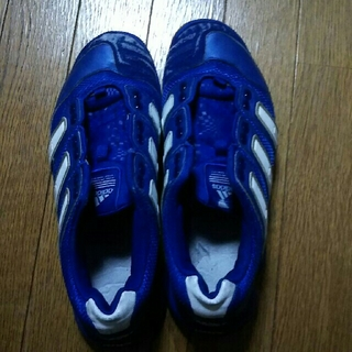 アディダス(adidas)のスポーツシューズ(シューズ)