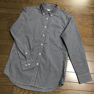 ユニクロ(UNIQLO)のユニクロ ネイビー白 ギンガムチェック柄ボタンダウンシャツ メンズS(シャツ)